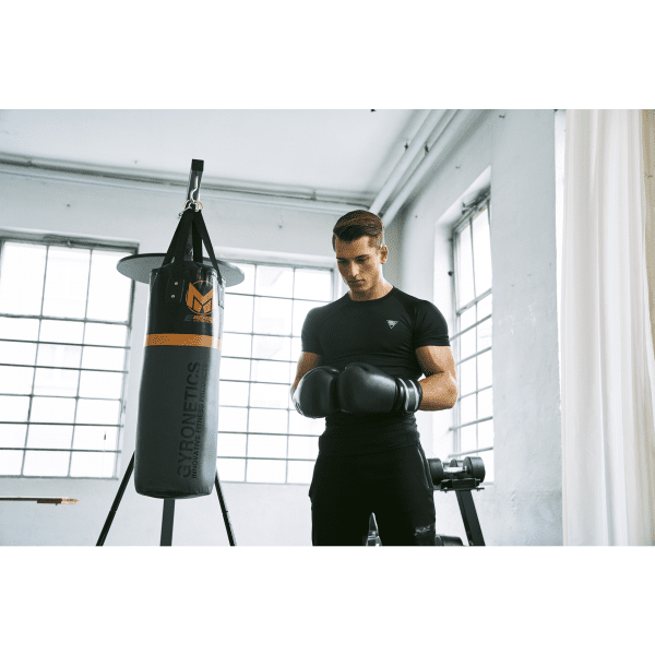 Boksestasjon med boksesekk og punchingball